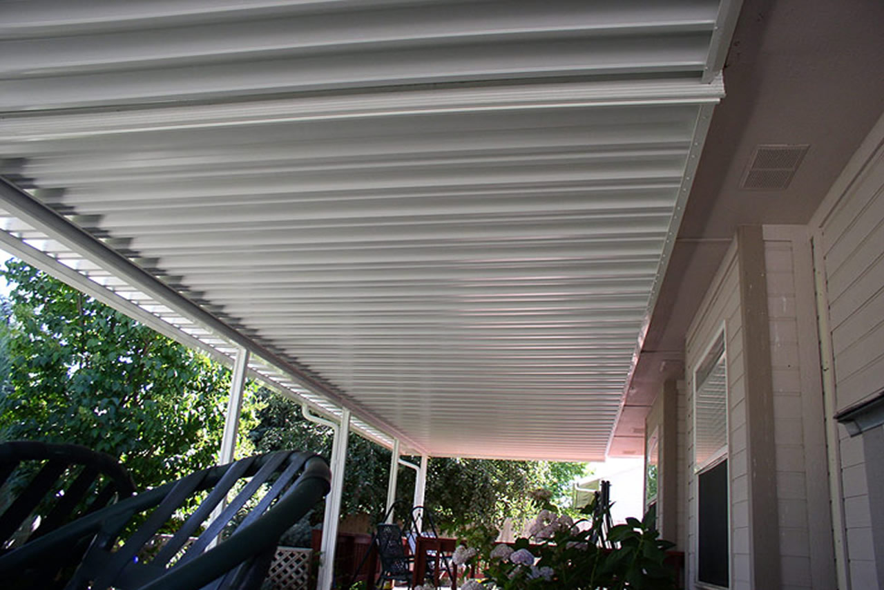Photo Gallery of Traditional Aluminum Patio Covers